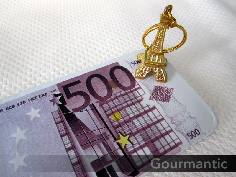 € 500 and the Eiffel Tower