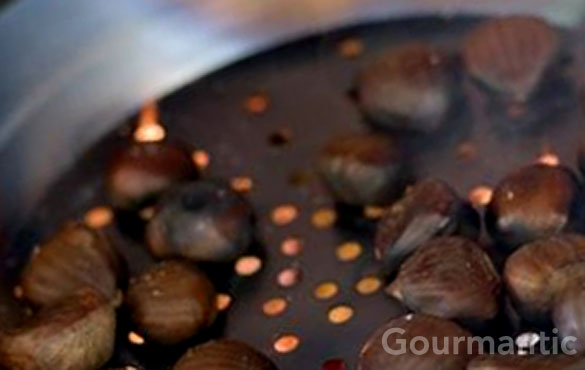 roasting chestnuts in pan