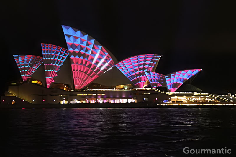Vivid Sydney 2011: Lighting of the Sails