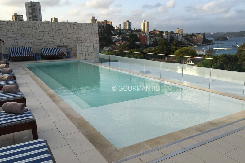 Rooftop pool lounge intercontinental sydney double bay for Pool show 2015 sydney